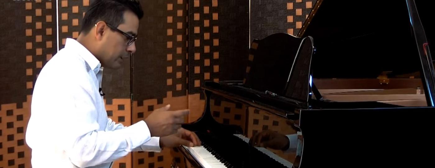 postura para tocar piano